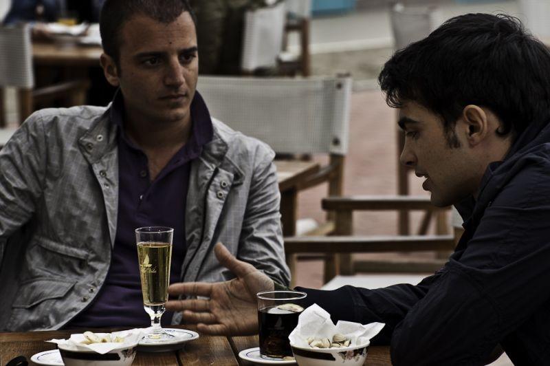 Ci vediamo a casa: Nicolas Vaporidis insieme a Primo Reggiani in una scena