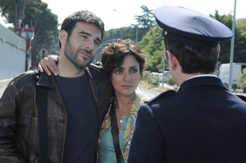 Ci vediamo a casa: Vilma e Franco, interpretati da Ambra Angiolini e Edoardo Leo, in una scena