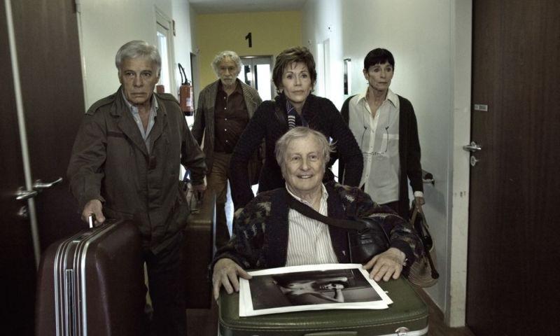 E se vivessimo tutti insieme?: una scena di gruppo del film