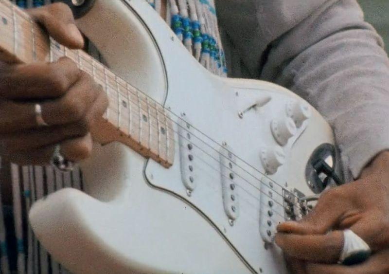 Hendrix 70. Live at Woodstock: la chitarra di Jimi Hendrix durante la storica esibizione di Woodstock