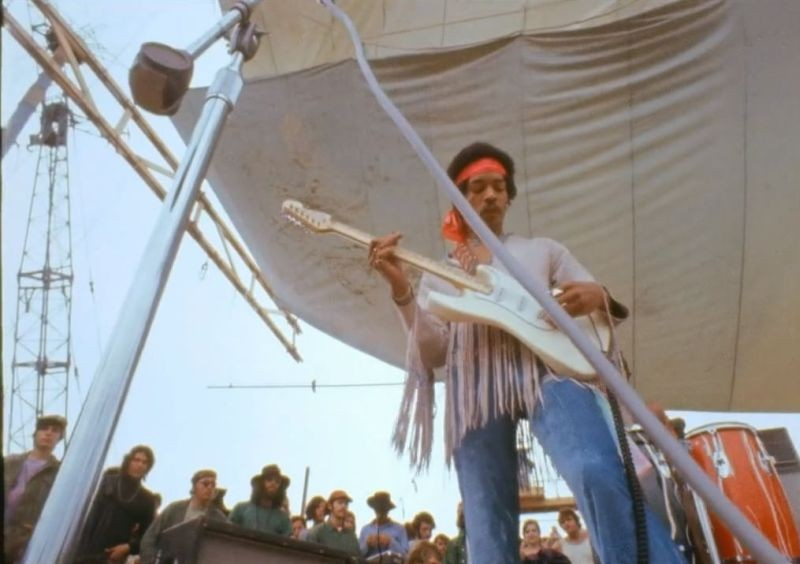 Hendrix 70. Live at Woodstock: un'immagine dalla spettacolare esibizione di Jimi Hendrix