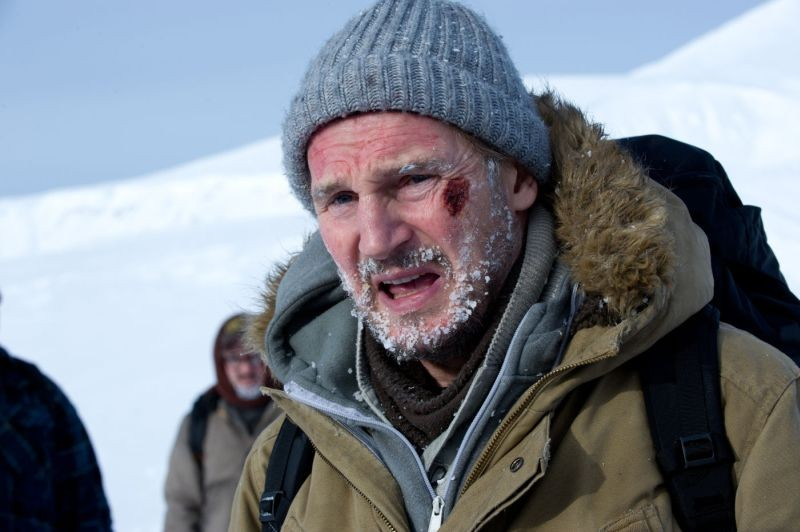 Liam Neeson protagonista di The Grey in una scena