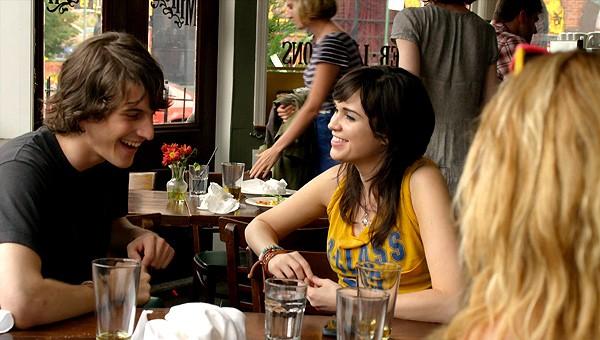 Peter Vack e Stephanie Brait in una scena dell'episodio Blackout della prima stagione della serie In cerca di Jane