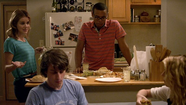 Peter Vack, Kim Shaw, Elisabeth Hower e Jordan Carlos in una scena dell'episodio Love Equation della prima stagione della serie In cerca di Jane