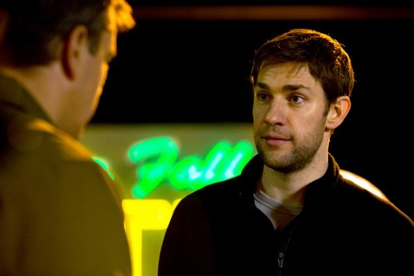 Promised Land: Matt Damon e John Krasinski a confronto