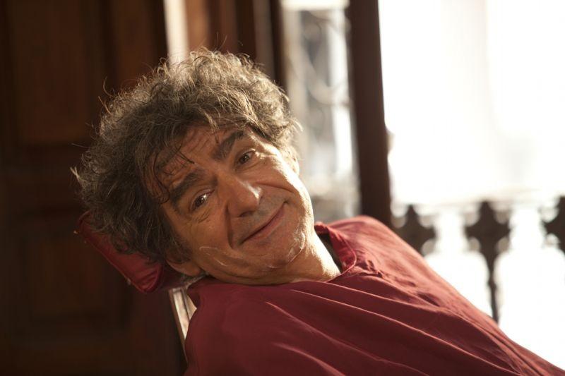 Como estrellas fugaces: Miki Manojlovic in una scena del film