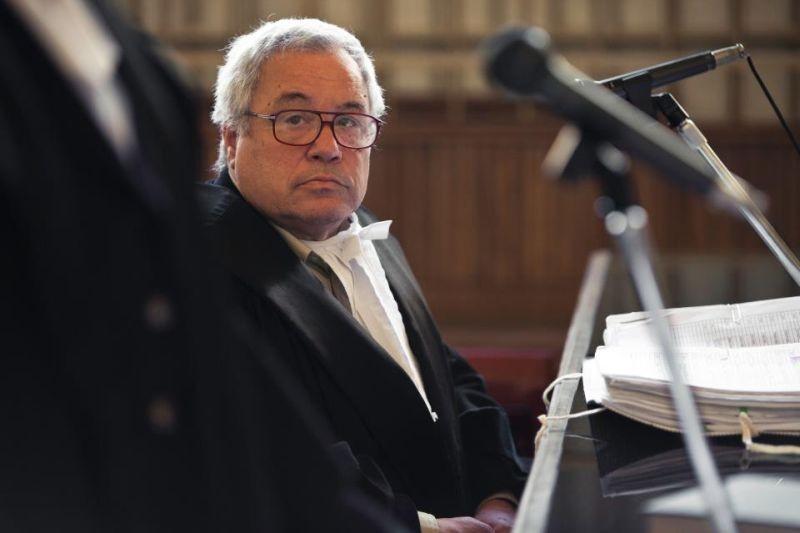 Dimmi che destino avrò: Nino Nonnis è il procuratore capo in una scena