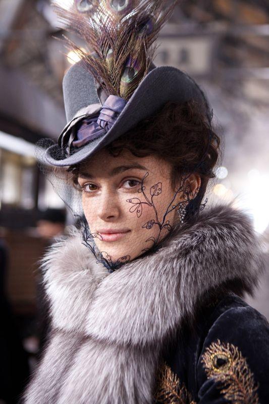 Keira Knightley in una foto promozionale di Anna Karenina