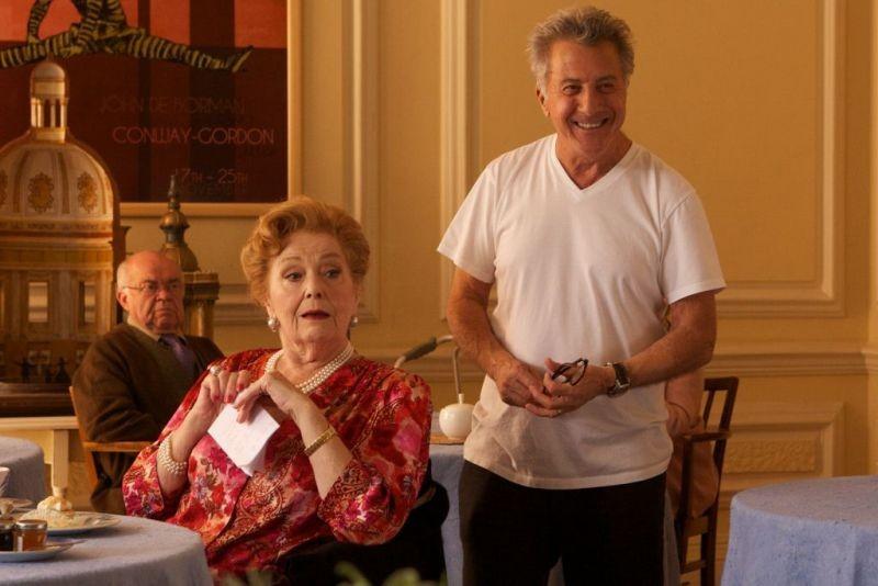 Quartet: il regista del film Dustin Hoffman sul set con Gwyneth Jones