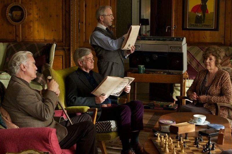 Quartet: Pauline Collins, Billy Connolly, Tom Courtenay e Andrew Sachs in una scena del film