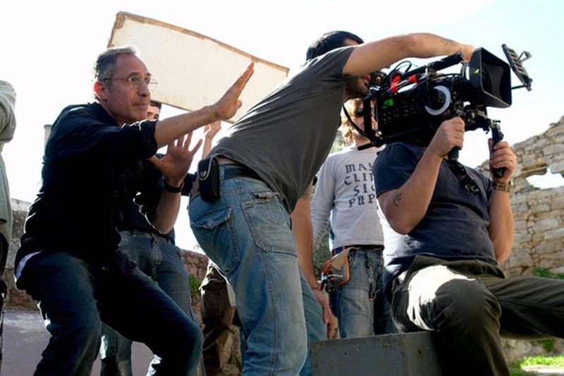 Su Re: il regista Giovanni Columbu sul set