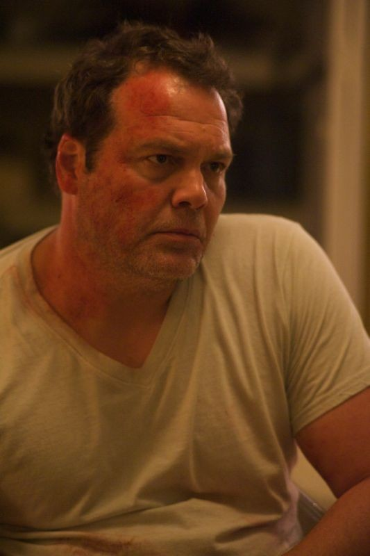 Chained: Vincent D'Onofrio in una scena