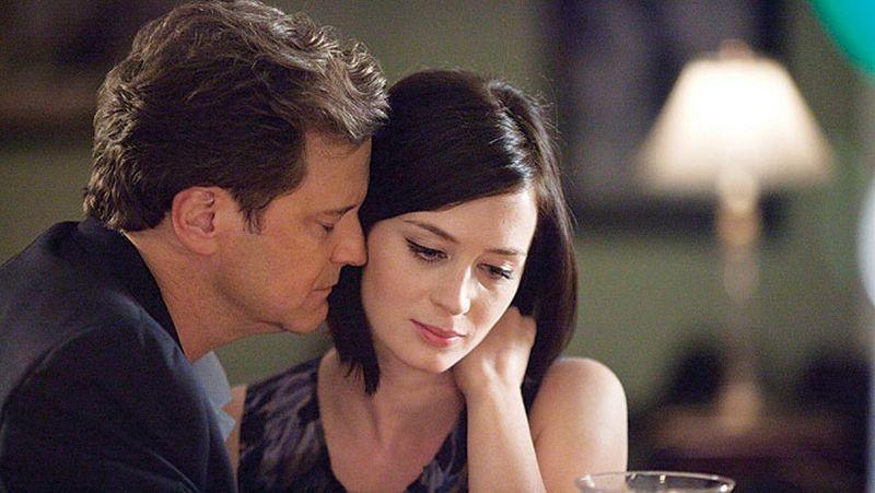Arthur Newman: scambio di effusioni tra Emily Blunt e Colin Firth in una scena del film