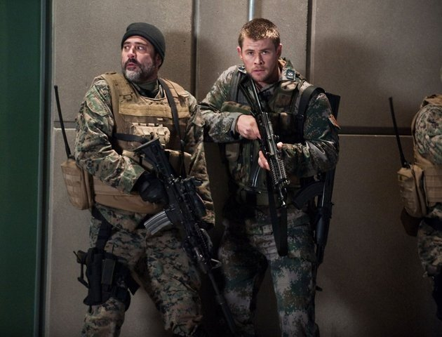 Chris Hemsworth e Jeffrey Dean Morgan in Red Dawn