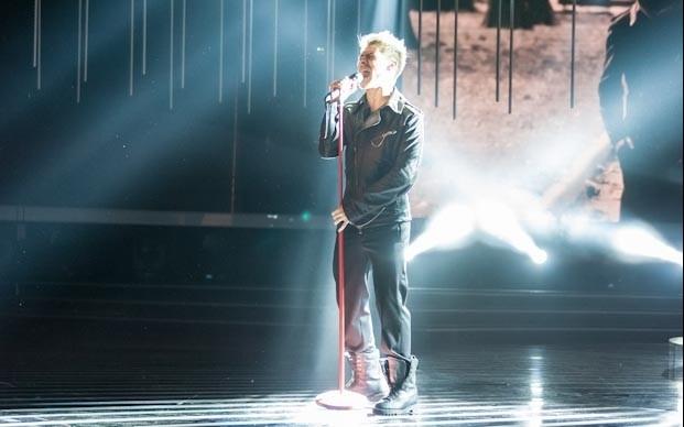 X Factor 6: Daniele Coletta canta i Foo Fighters nella sesta puntata