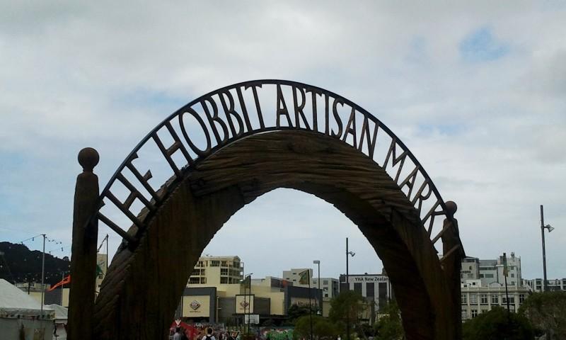 in attesa della premiere de Lo Hobbit: un viaggio inaspettato, l'ingresso dello Hobbit Artisan Markt di Wellington