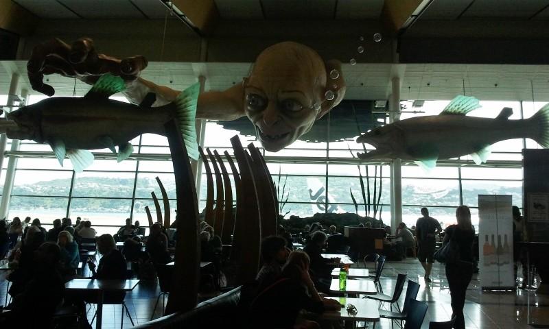 in attesa della premiere de Lo Hobbit: un viaggio inaspettato: una immagine dall'aeroporto di Wellington