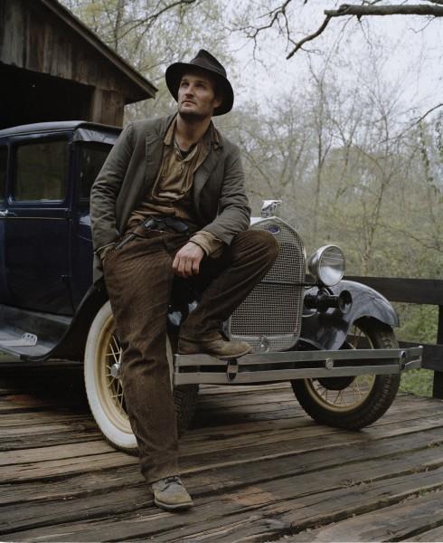Jason Clarke in un'immagine promozionale di Lawless