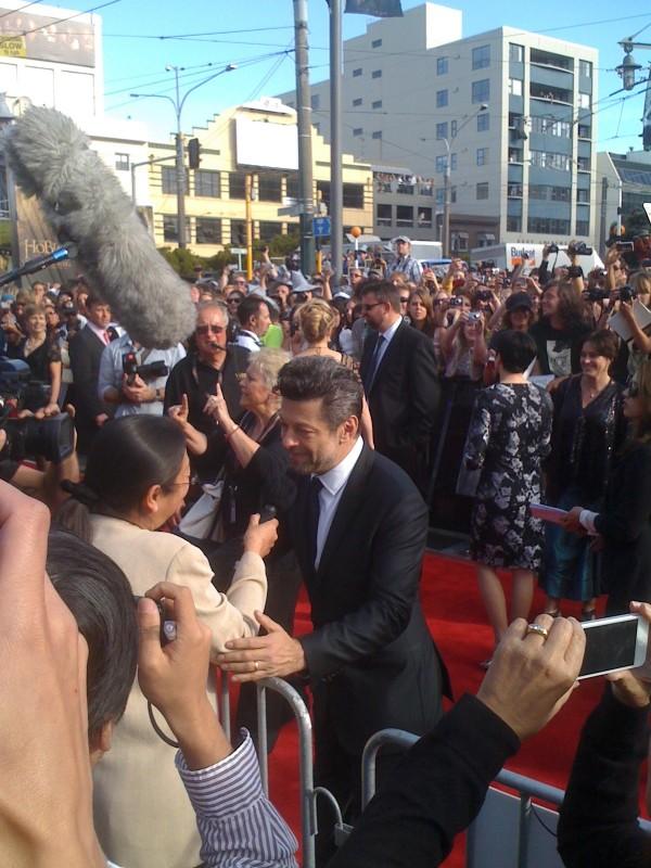 Lo hobbit - Un viaggio inaspettato: bagno di folla per Gollum/ Andy Serkis alla premiere di Wellington