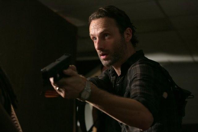 The Walking Dead: Andrew Lincoln è Rick Grimes nell'episodio Fatti per soffrire