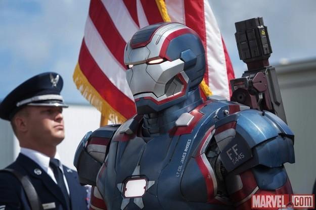 Iron Man 3: un primo piano della nuova armatura di Iron Patriot
