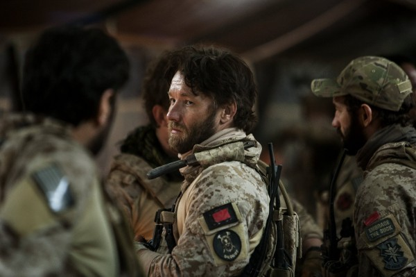 Operazione Zero Dark Thirty: un primo piano di Joel Edgerton in uniforme