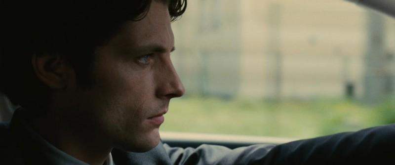 Trois mondes: Raphaël Personnaz  in una immagine del film