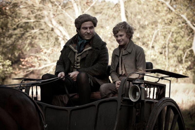 Grandi speranze: David Walliams in una scena del film nei panni dello zio Pumblechook