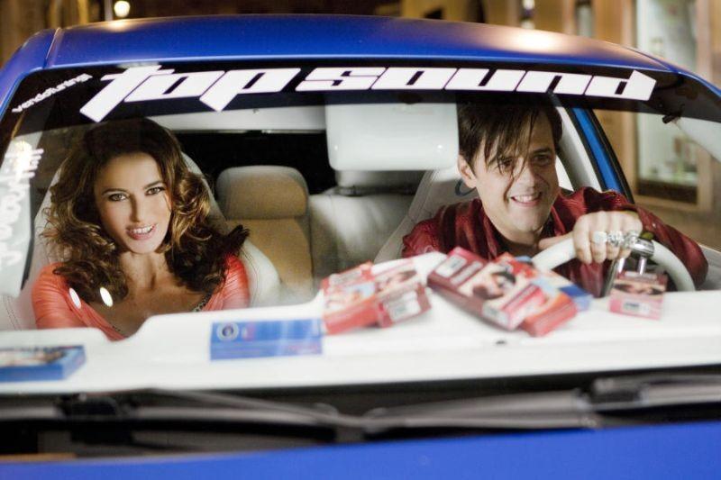 Colpi di fulmine: Claudio Gregori, alias Greg, insieme ad Anna Foglietta in una scena del film