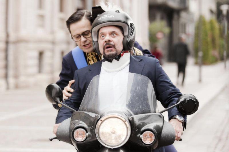 Colpi di fulmine: Claudio Gregori e Pasquale Petrolo, alias Lillo & Greg, in una scena