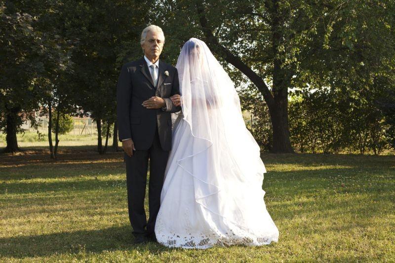 I 2 soliti idioti: Teo Teocoli, padre della sposa, in una scena tratta dal film