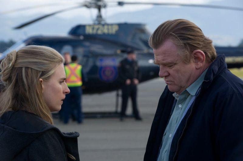 La regola del silenzio: Brit Marling e Brendan Gleeson, padre e figlia nel film, in una scena