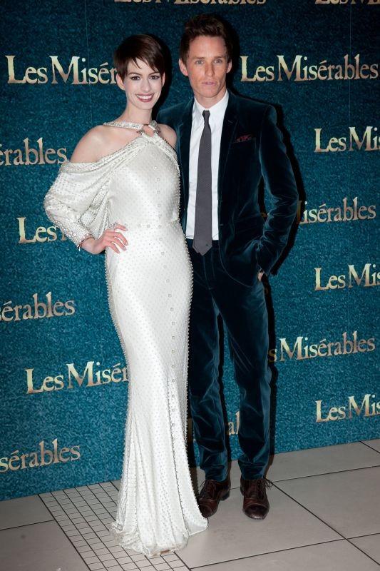 Les Misérables: Anne Hathaway e Eddie Redmayne sul red carpet durante la premiere di Leicester Square