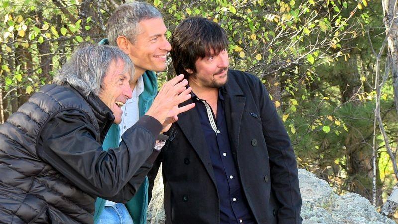 Mai stati uniti: Giovanni Vernia e Ricky Memphis con il regista Carlo Vanzina sul set