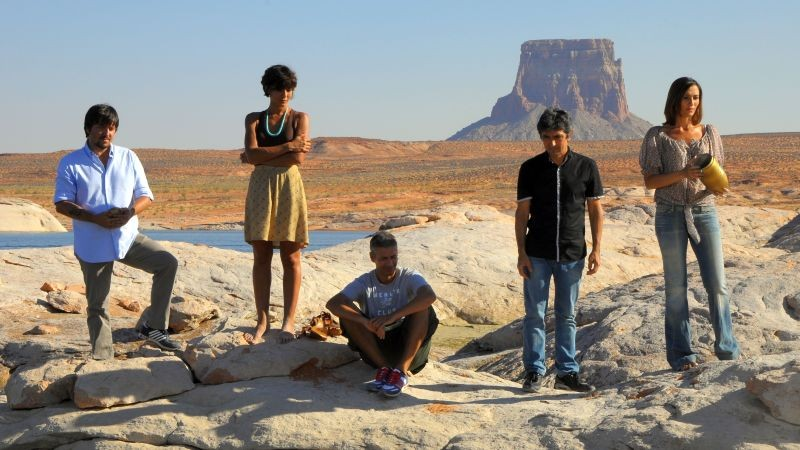 Mai stati uniti: una scena di gruppo tratta dal film