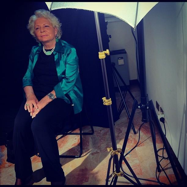 Patricia Martinelli, sceneggiatrice di Diabolik, davanti alle telecamere di Fumettology