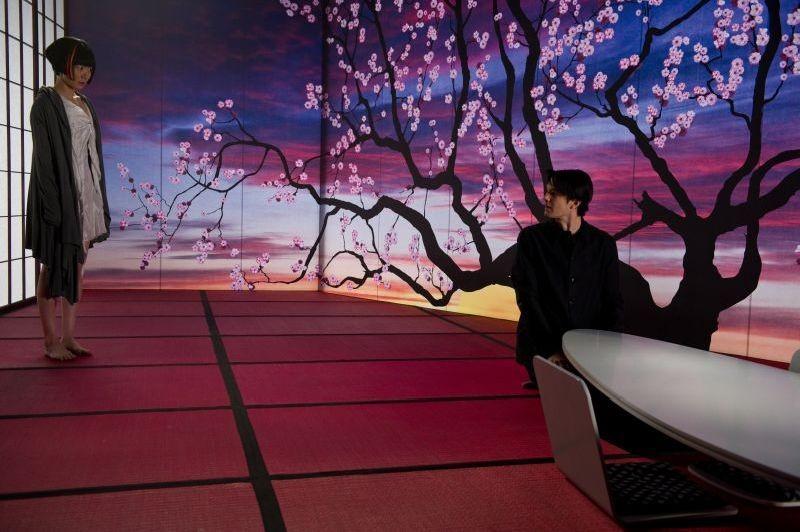 Cloud Atlas: Bae Du-na e Jim Sturgess in una scena del film