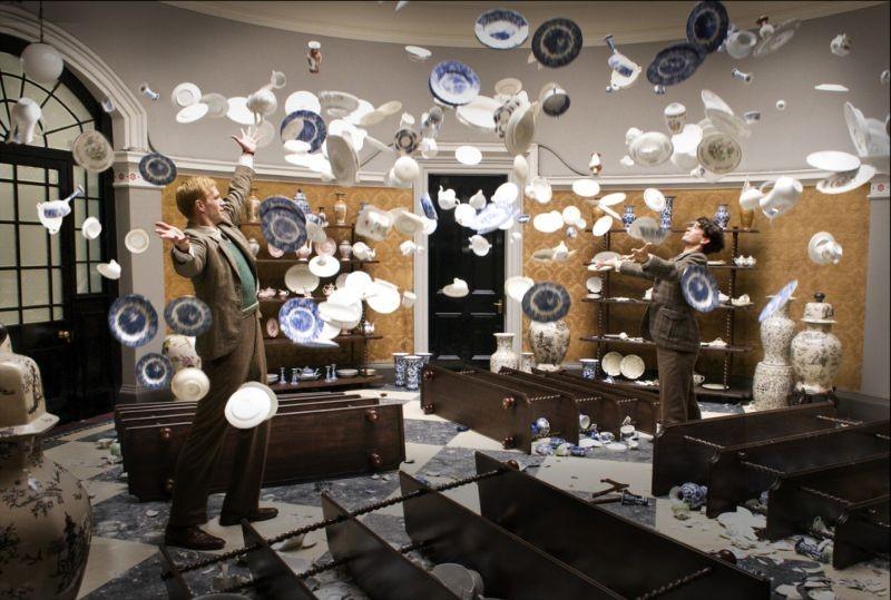 Cloud Atlas: pericolosa sospensione di ceramiche in una scena del film