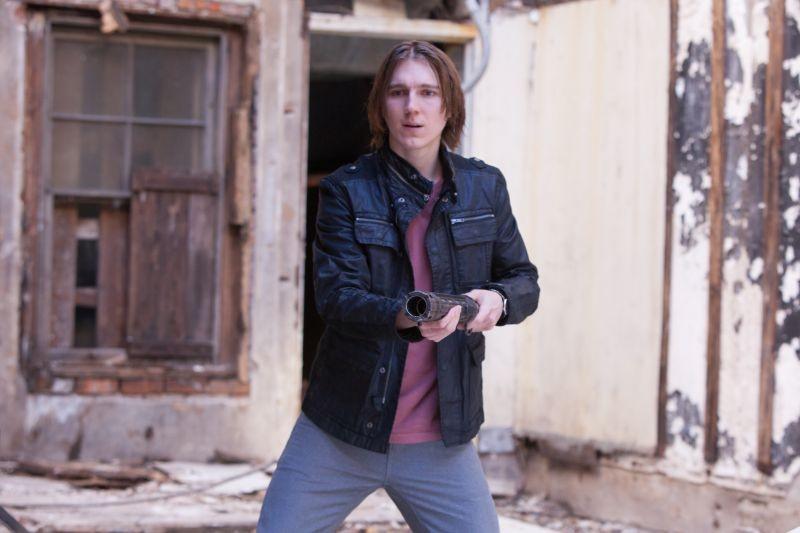 Looper: Paul Dano in una scena del film nei panni di Seth