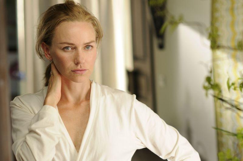 Naomi Watts è Maria in una scena di The Impossible