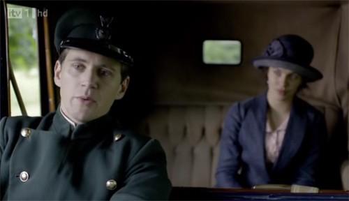 Downton Abbey: Allen Leech e Jessica Brown Findlay in una scena della serie