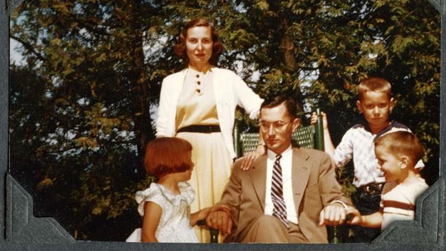 THE MAN NOBODY KNEW: In Search of My Father, CIA Spymaster William Colby - Un'immagine di William Colby con la famiglia