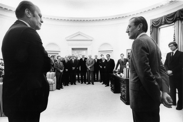 THE MAN NOBODY KNEW: In Search of My Father, CIA Spymaster William Colby - William Colby e il Presidente Gerald Ford