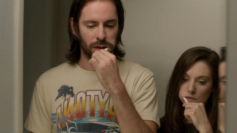 Save the Date: Martin Starr e Alison Brie in una scena