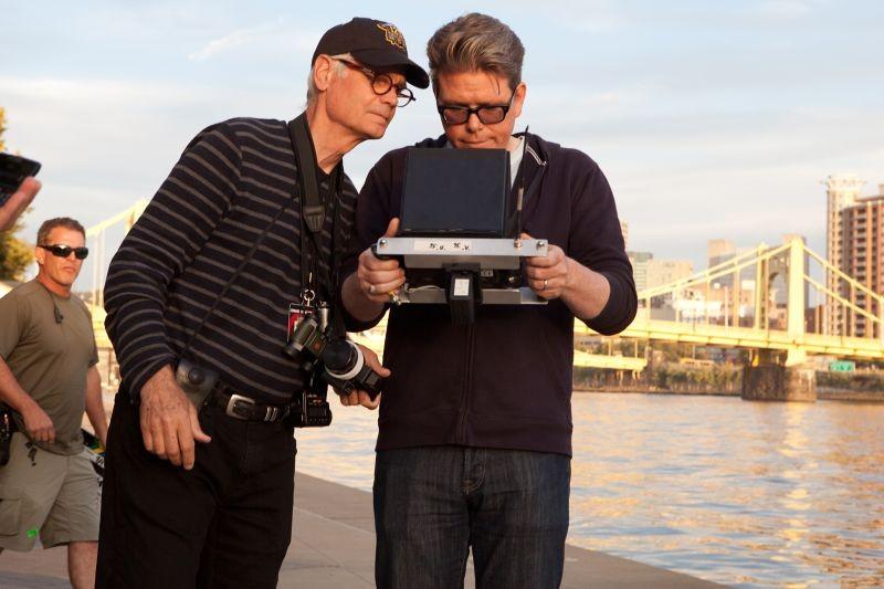 Jack Reacher - La prova decisiva: il regista Christopher McQuarrie e il direttore della fotografia Caleb Deschanel sul set