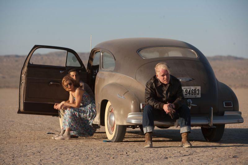The Master: Philip Seymour Hoffman nel deserto conAmbyr Childers e Rami Malek