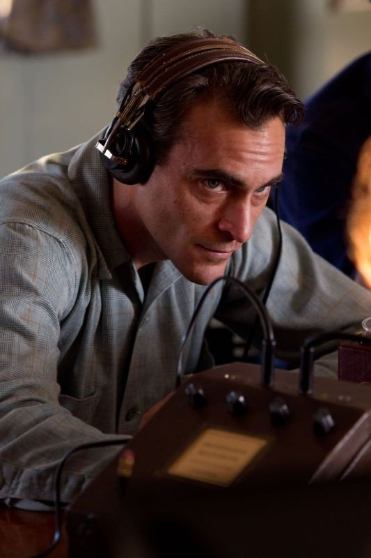 The Master: un intenso Joaquin Phoenix in una scena del film