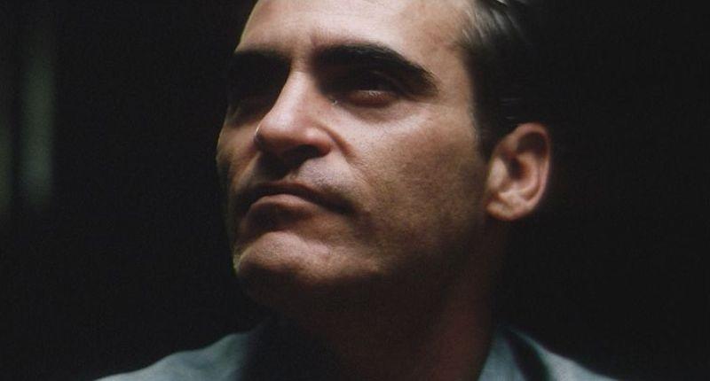 The Master: un intenso primo piano di Joaquin Phoenix tratto dal film