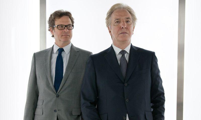 Alan Rickman e Colin Firth in una scena della commedia Gambit