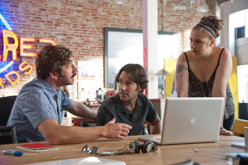 Paul Rudd, Lena Dunham e Chris O'Dowd in una scena di Questi sono i 40